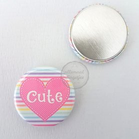 Flatback button donkerroze hart met tekst Cute 25mm