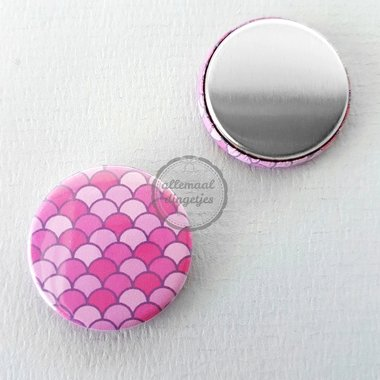 Flatback button zeemeermin mermaid schubben patroon paars magenta 25mm