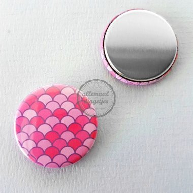 Flatback button zeemeermin mermaid schubben patroon fuchsia 25mm